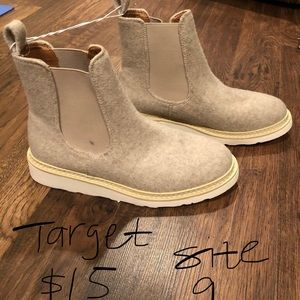 NWT Wool Chelsea Boots